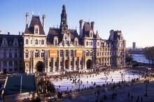 Bon plan une patinoire sur le parvis de l 39 h tel de ville for Bon plan hotel paris