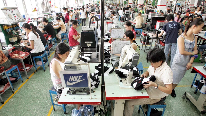 Adidas En 000 Grève Chine30 Nike S'indignent Ouvriers De Et Ybfv6gy7