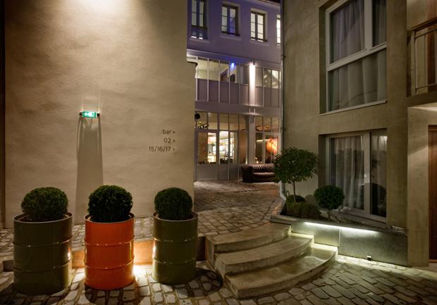le bar de l 39 h tel jules et jim luxe calme et volupt. Black Bedroom Furniture Sets. Home Design Ideas