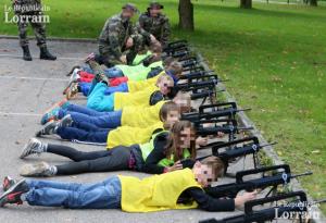 enfants fusils d'assault